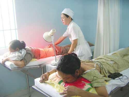 Đèn sưởi nhà tắm hồng ngoại được sử dụng trong các bệnh viện